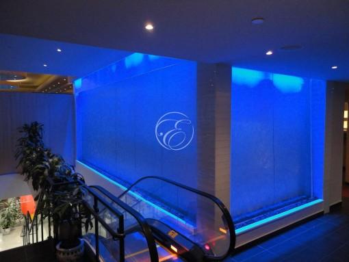 Mur d'eau en angle galerie commerciale 1