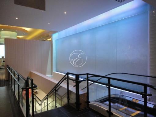 Mur d'eau en angle galerie commerciale 2