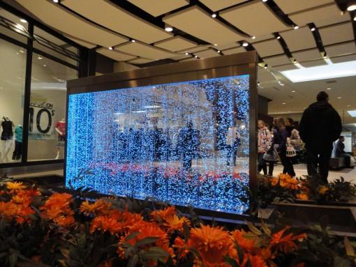 Mur de bulles dans une galerie commerciale 4