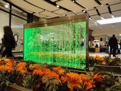 Mur de bulles dans une galerie commerciale 1