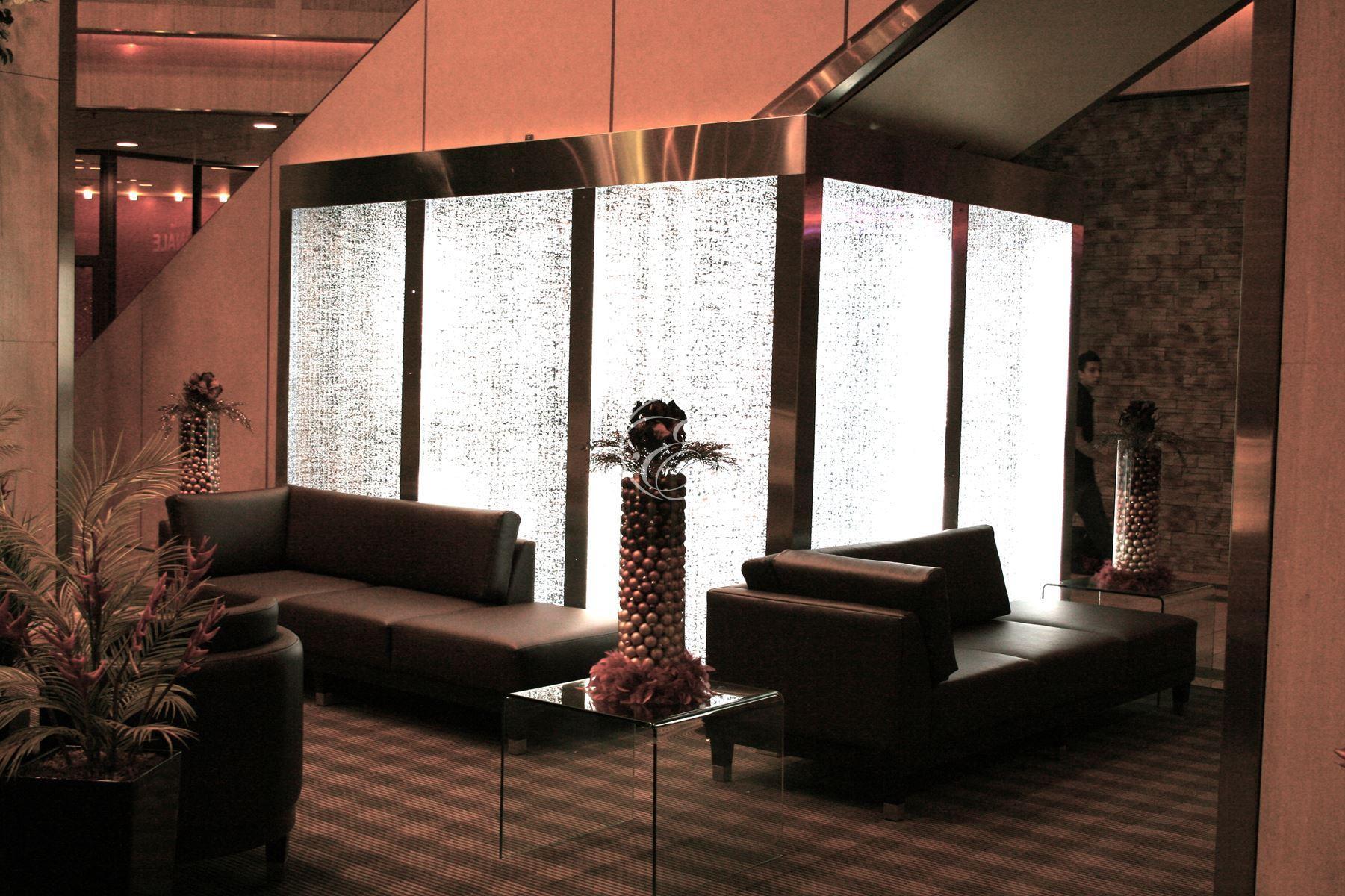 mur de bulles galerie commerciale montr al. Black Bedroom Furniture Sets. Home Design Ideas